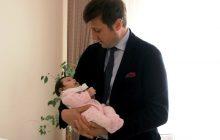 Başkan Akay'dan Hoş Geldin Bebek Ziyareti
