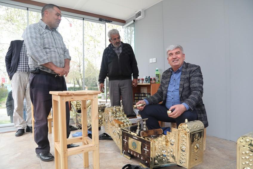 Ayakkabı Boyacıları İçin Lostra Salonu Açıldı
